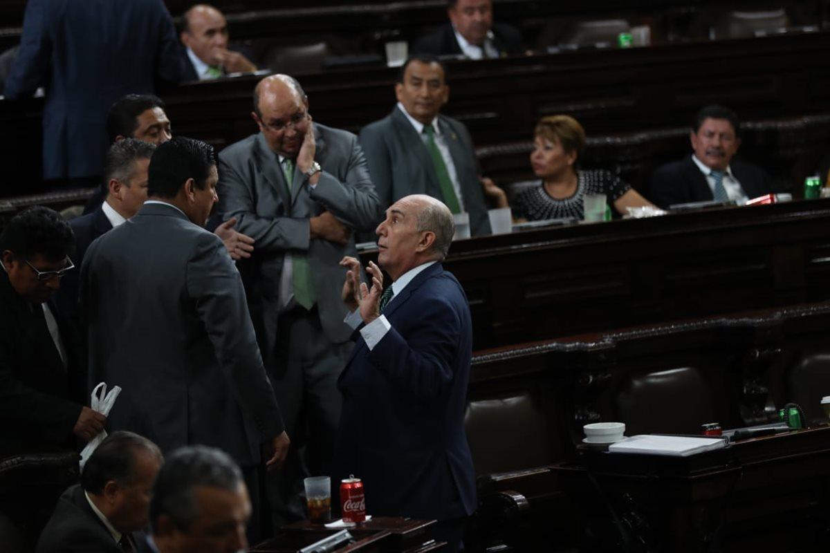 Diputados debaten durante la sesión ordinaria de este miércoles. (Foto Prensa Libre: Óscar Rivas)
