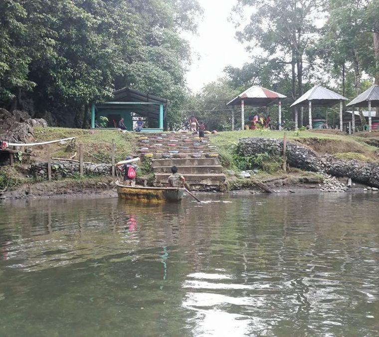 Zona para nadar y en la parte alta para preparar los alimentos en el Parque Ecológico El Boquerón, en el Estor, Izabal. (Foto Prensa Libre: Óscar Felipe Quisque)