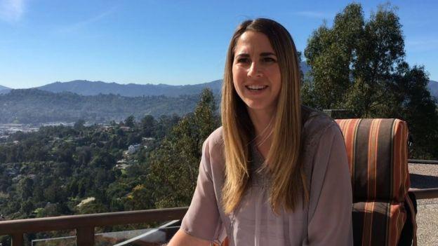 Danielle Kovac, directora de la clínica, dice que el objetivo es desconectar a los jóvenes.