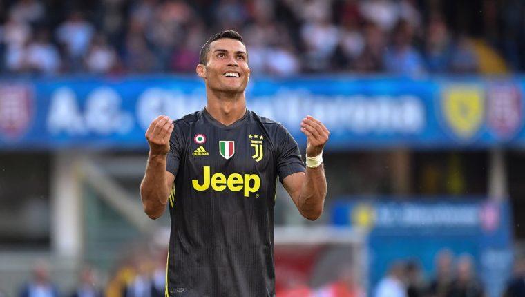 Cristiano Ronaldo no pudo anotar en su debut con la Juventus. (AFP)