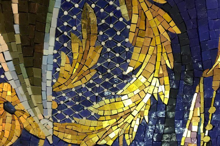 El mosaico mide 1.20 x 1.90 metros.