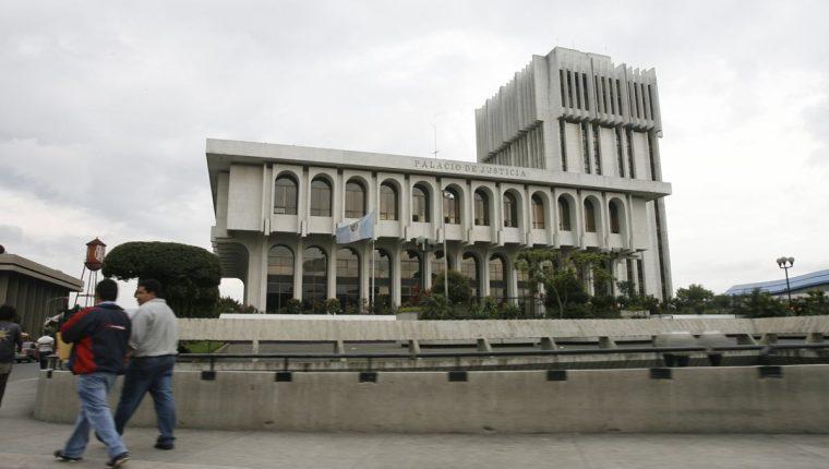 La Supervisión General de Tribunales investiga a varios jueces por extender amparos a favor de candidatos. (Foto Prensa Libre: Hemeroteca PL)