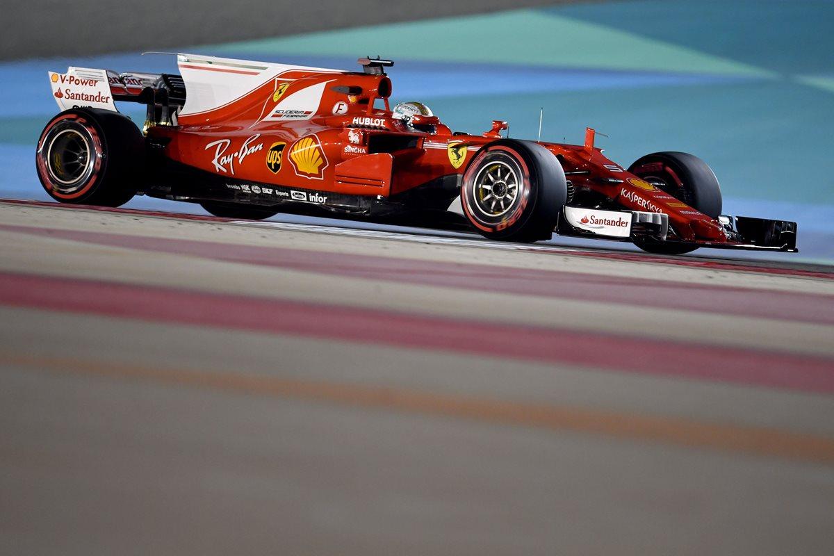 Vettel domina los libres en Bahréin a la sombra del regreso de Button