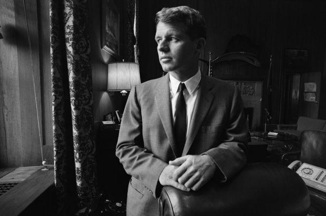 Robert Kennedy fue fiscal general de Estados Unidos durante el gobierno de su hermano, John Fitzgerald Kennedy. GETTY IMAGES