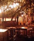 """El restaurante """"Mi Ranchito"""" prendió en llamas, en el lugar se celebraba una boda. (Foto Prensa Libre: Mario Morales)."""