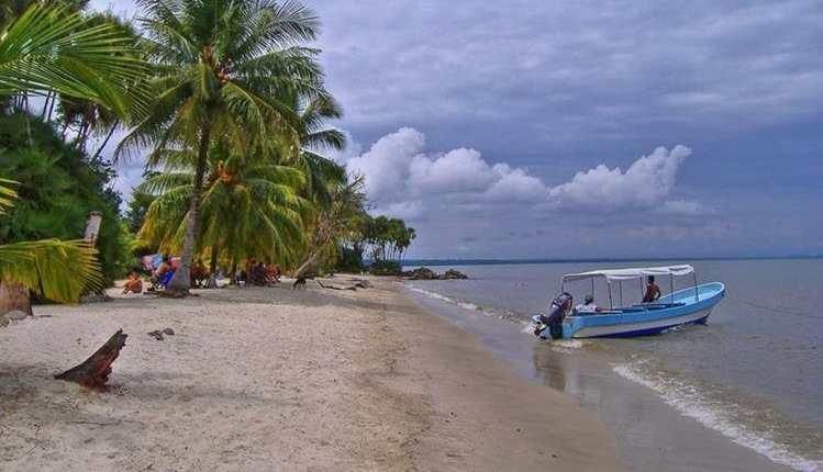 Playa Blanca, Izabal, es uno de los destinos turísticos más bellos de Guatemala. (Foto HemerotecaPL)