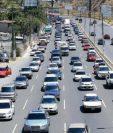 El parque vehicular del país supera los tres millones de vehículos. (Foto, Prensa Libre: Hemeroteca PL).