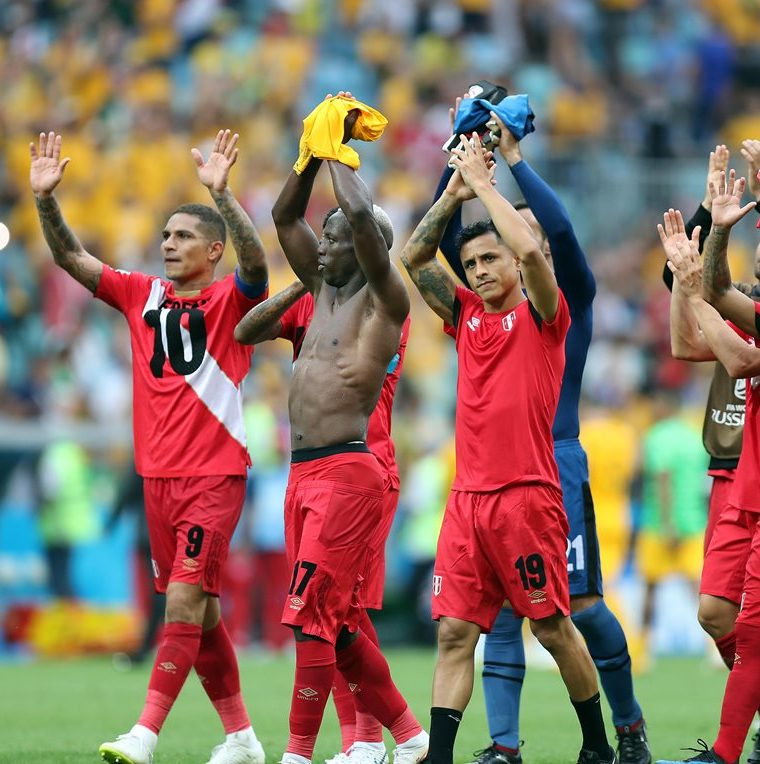 Perú es una de las selecciones sudamericanas que mejor ha progresado en su futbol pero no le alcanzó para trascender en Rusia 2018. (Foto Prensa Libre: EFE)
