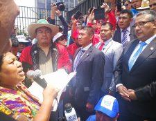 Autoridades indígenas pidieron a los comisionados que no elijan candidatos vinculados con grupos de mafias y corrupción en el Estado. (Foto Prensa Libre: Estuardo Paredes)