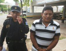 Édgar Estuardo Manchamé Vásquez fue capturado por la PNC cuando salía de un autohotel en Camotán, Chiquimula, con una niña de 13 años. (Foto Prensa Libre: Edwin Paxtor)