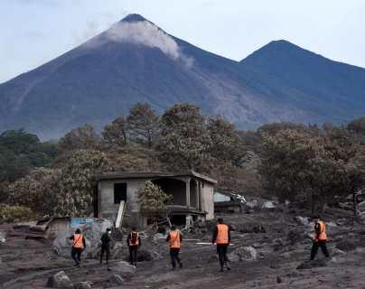 Reanudarán búsqueda de desaparecidos por la erupción del Volcán de Fuego en la zona cero