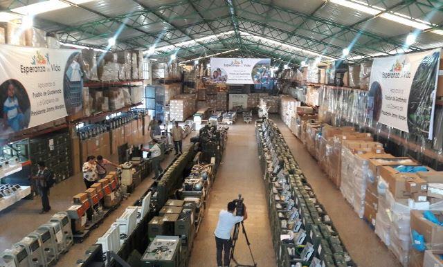 Parte del donativo se encuentra en la bodega de la fundación, situada en Río Hondo, Zacapa. (Foto Prensa Libre: Hugo Oliva)