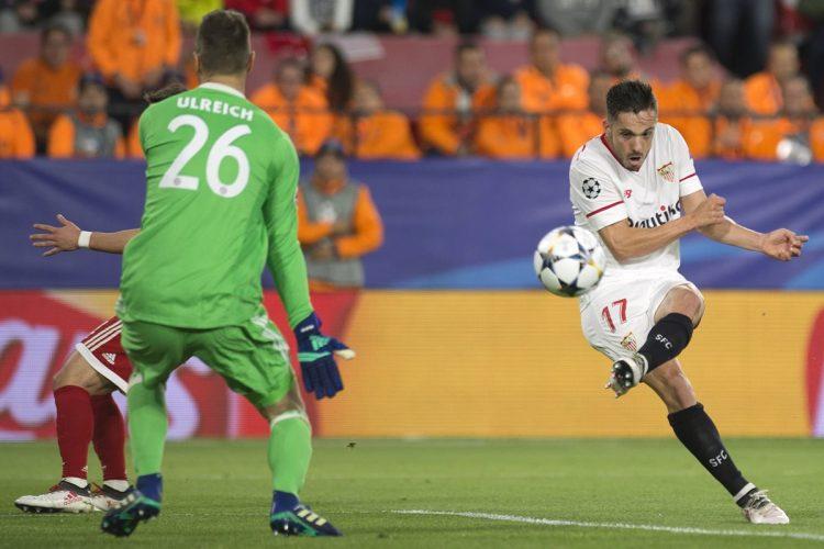 Pablo Sarabia del Sevilla abrió el marcador en el juego que enfrentó a su equipo contra el Bayern Múnich. (Foto Prensa Libre: AFP)