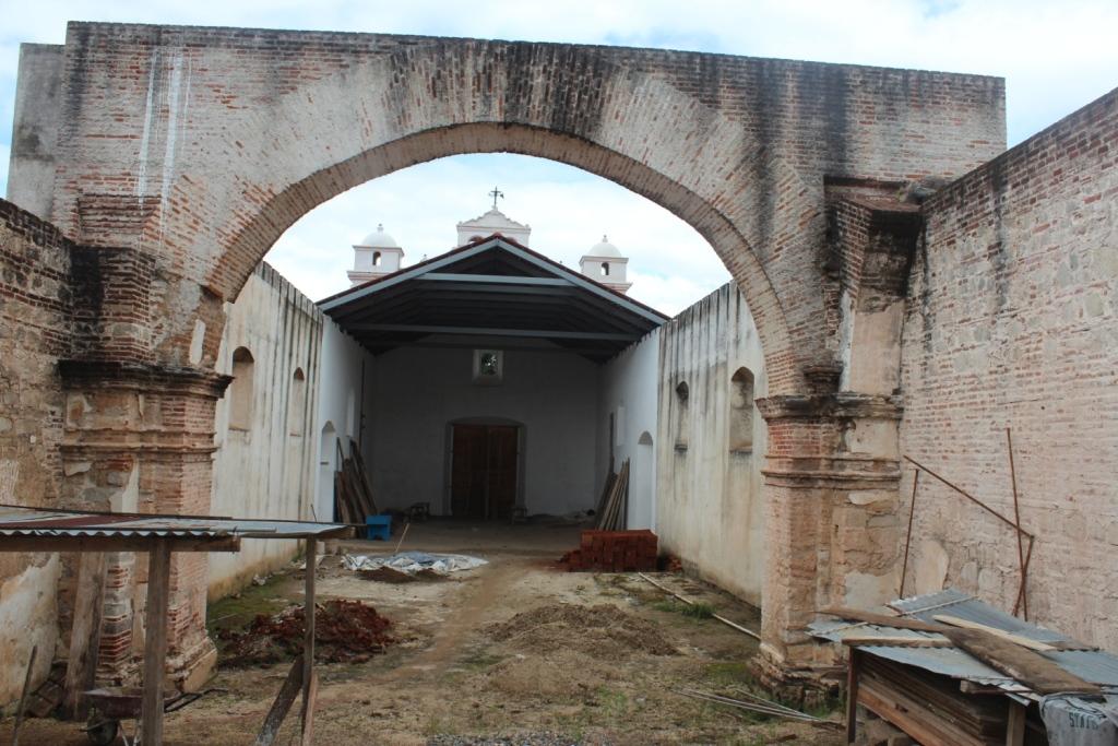 Avanzan trabajos de restauración de templo católico