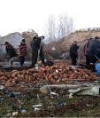 Equipos de rescate rescataron a 21 personas de la zona de la explosión.