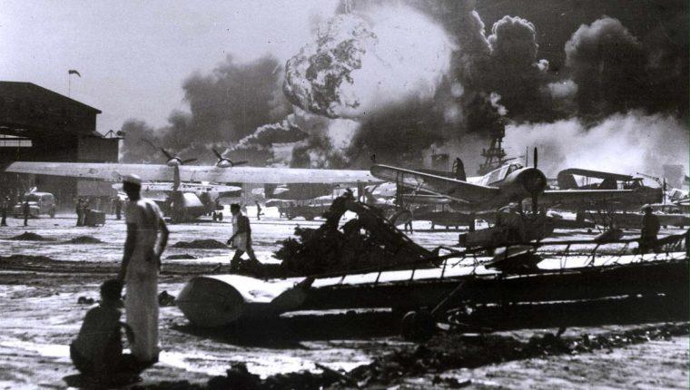 Japón sorprendió a Estados Unidos atancando la base de Pearl Harbor en Hawaii el 7 de diciembre de 1941. (Foto: Hemeroteca PL)