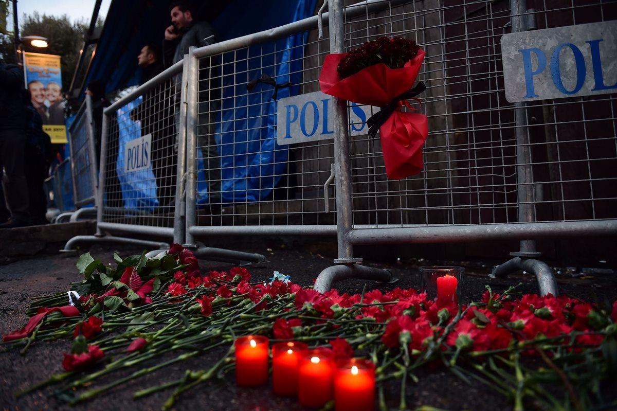 Clubes de Estambul rinden homenaje a las víctimas del atentado en la discoteca Reina