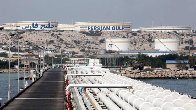 Irán continúa vendiendo su petróleo, pero solo a algunos países. FOTO: GETTY IMAGES
