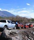 La RN14 fue habilitada a contrarreloj, a pesar de que los pobladores advierten de riesgos y continúan la búsqueda de restos en San Miguel Los Lotes. (Foto Prensa Libre: Enrique Paredes)