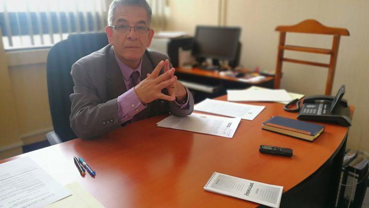 El juez de alto impacto, Miguel Gálvez, se tomará una semana para analizar todos los indicios contra el general Melgar Padilla. (Foto Prensa Libre: Kenneth Monzón)