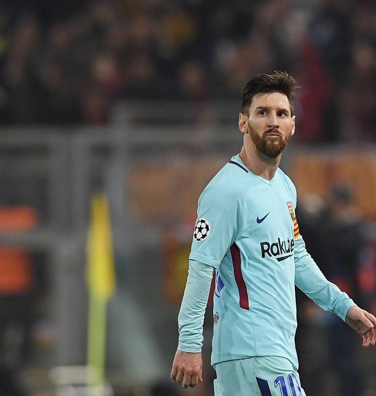 Messi salió enojado del encuentro frente al AS Roma. (Foto Prensa Libre: AFP)