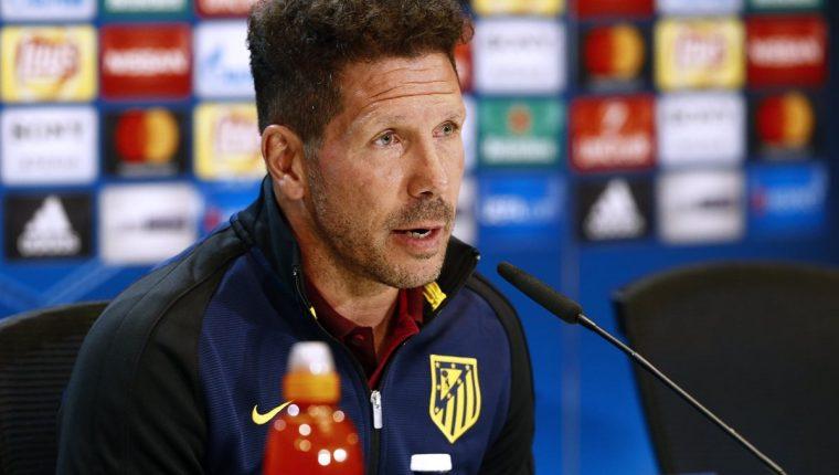 Diego Simeone, técnico del Atlético de Madrid, durante la conferencia de prensa de este martes. (Foto Prensa Libre: EFE)