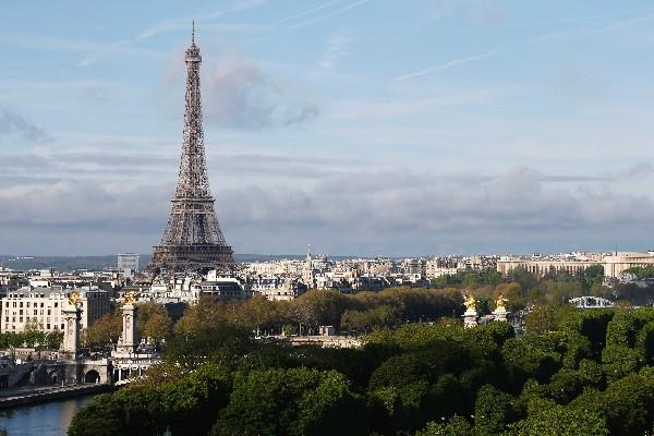 Torre Eiffel se apagará esta noche en apoyo a Alepo