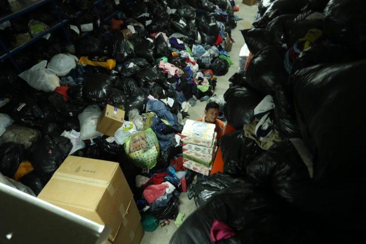 Hay momentos en que las bodegas se vacían pero al mismo tiempo traen más donaciones y la ayuda llega de manera rápida a los afectados, indican los colaboradores de CONRED.