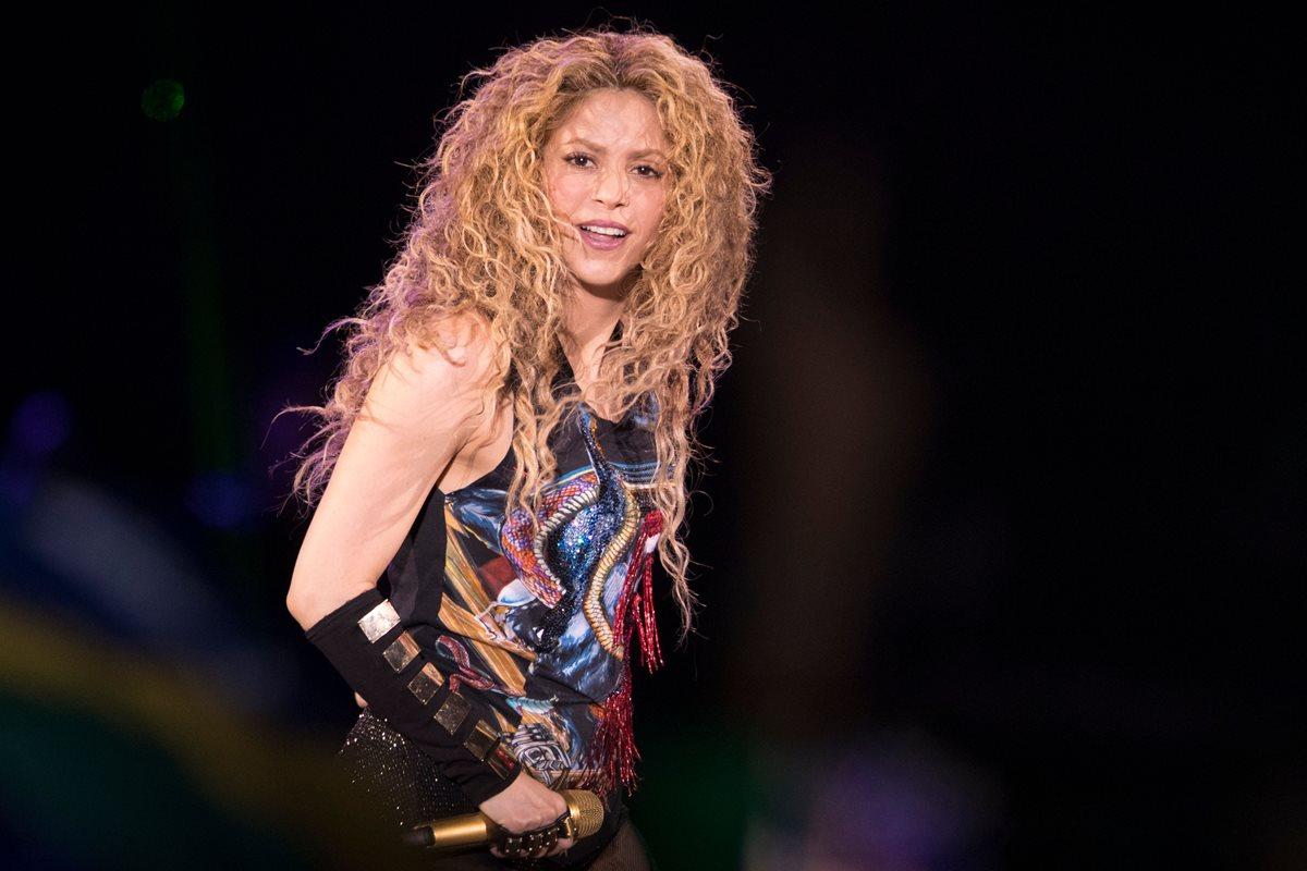 """Shakira retomó la gira """"El Dorado"""" este mes en Europa. El pasado lunes fue criticada por uno de sus materiales promocionales. (Foto Prensa Libre: AFP)."""