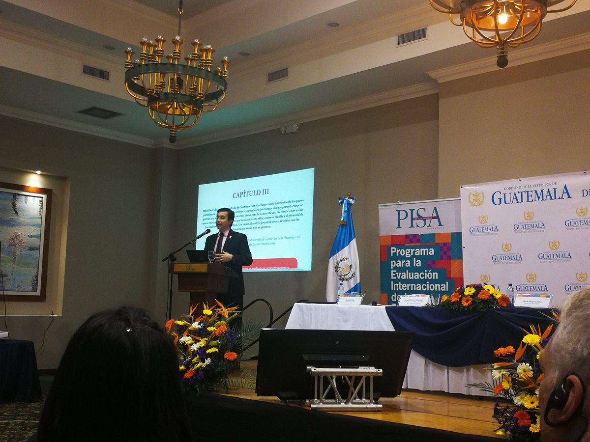 Los resultados de las pruebas Pisa-D se presentaron esta mañana. Guatemala participó por primera vez en esta evaluación que evidencia las debilidades del sistema educativo. (Foto Prensa Libre: Ana Lucía Ola)