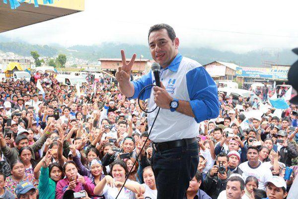 Jimmy Morales durante un acto público en la campaña electoral del 2015. Él era el secretario general del partido. (Foto Prensa Libre: Facebook Jimmy Morales)