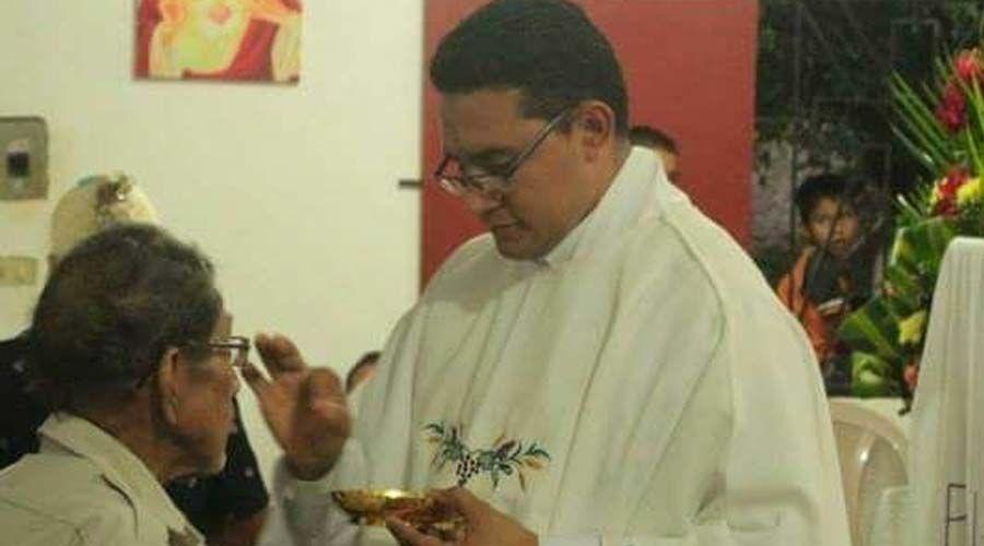 Sacerdote Walter Osmir Vásquez, asesinado el Jueves Santo en El Salvador. (Foto Prensa Libre: Aciprensa)