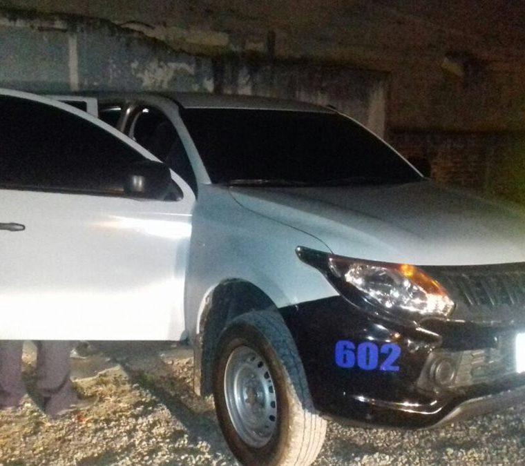 Un vehículo hallado en la zona 10 habría sido utilizado por delincuentes para robar un banco. (Foto: Estuardo Paredes)