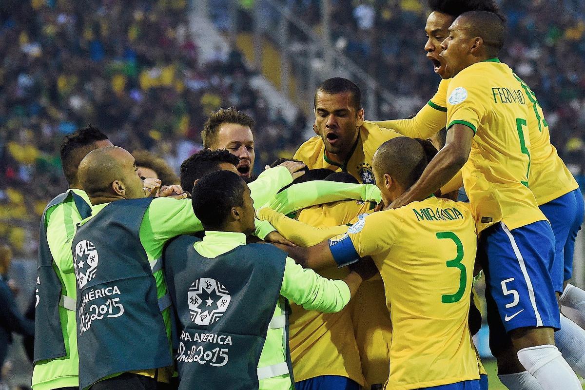 Brasil se enfrentará a Paraguay en cuartos de final. (Foto Prensa Libre: AFP)