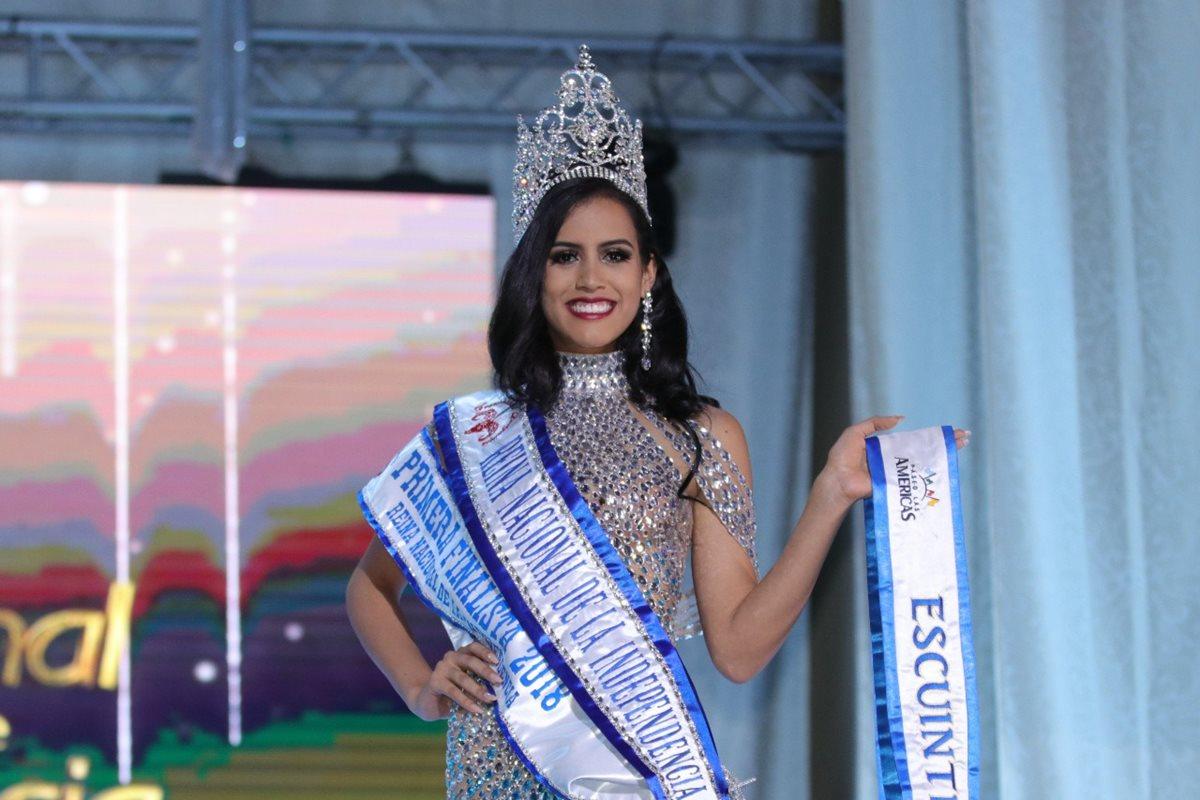 La nueva Reina Nacional de la Fiestas de Independencia es originaria de Escuintla, María Sazo. (Foto Prensa Libre: Raúl Juárez)