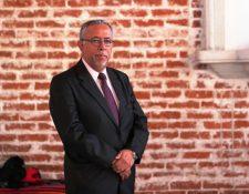 Alejando González es uno de las seis que integra la lista de profesionales para dirigir la Contraloría General de Cuentas. Explicó sus proyectos si resulta electo contralor. (Foto Prensa Libre: Carlos Hernández Ovalle)