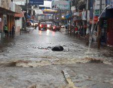 Las fuertes han causado daños en la provincia. (Foto Prensa Libre: Rolando Miranda).