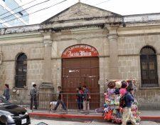 Escuelas en terrenos de terceros o que tienen la categoría de patrimonio cultural afrontan dificultades para ser reparadas o remozadas. (Foto Prensa Libre: Mike Castillo)
