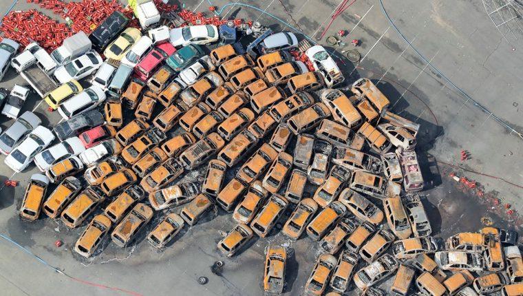 La industria automotriz es una de las más afectadas por el paso del tifón. (Foto Prensa Libre: AFP)