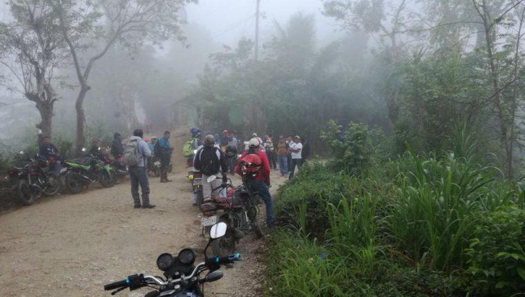 Maestros que apoyan el paro impidieron a otros que querían dar clases. (Foto Prensa Libre: Eduardo Sam)
