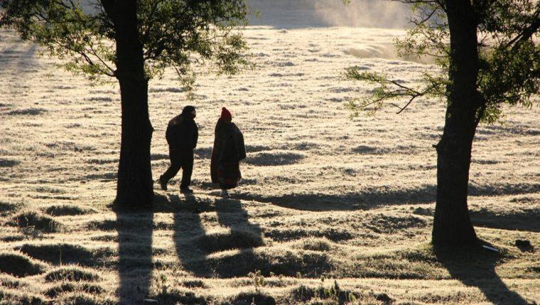 En algunos lugares de Totonicapán, la temperatura llegó a -2 grados. (Foto Prensa Libre: Edgar Domínguez)