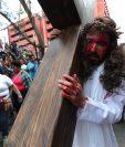 El presentador y actor de televisión Luis Garistú, es quien interpreta a Jesús. (Foto Prensa Libre: Estuardo Paredes)