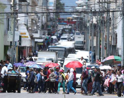 Las autoridades electas esperan resolver antes del 14 de enero el incremento salarial del 5% al magisterio, luego de la no aprobación del presupuesto 2020. (Foto Prensa Libre: Hemeroteca)