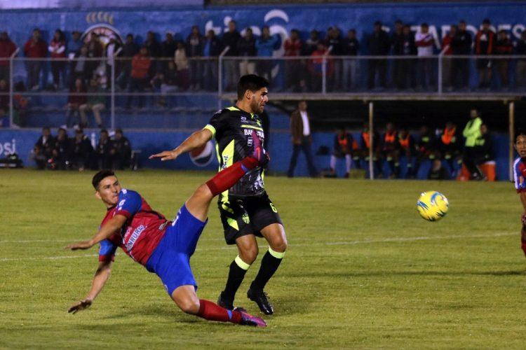 Xelajú MC tuvo el control la mayor parte del tiempo. (Foto Prensa Libre: Carlos Ventura)