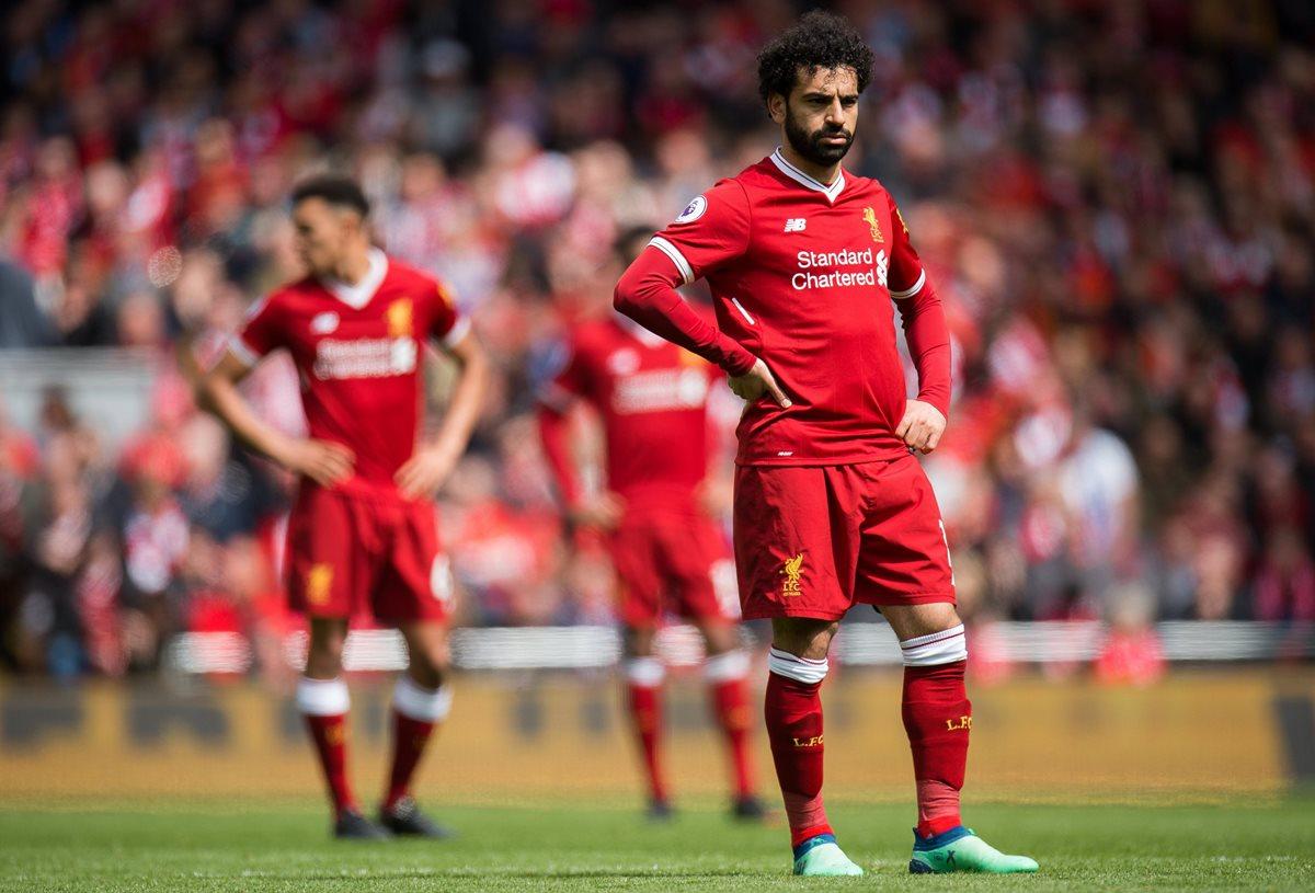 El futbolista egipcio Mohamed Salah es la gran figura del Liverpool y demuestra su decepción ante el Stoke City. (Foto Prensa Libre: EFE)