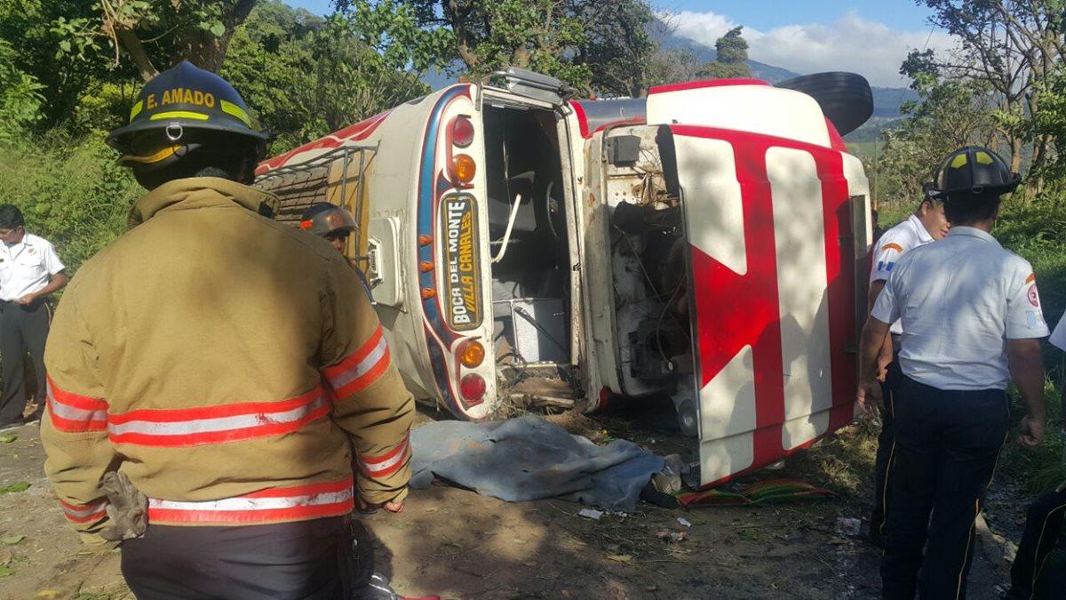 Accidente de bus en San Vicente Pacaya deja una persona fallecida