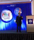 Marcos Urarte, presidente de la firma Pharos, explicó la necesidad de convertir a la empresa en visionaria y ver hacia afuera. (Foto, Prensa Libre: Cortesía Walmart).