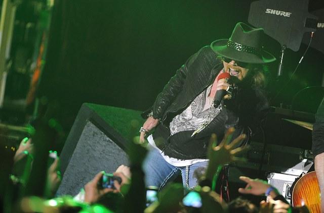 Guns N' Roses elimina canciónpor ser consierada homófoba y racista