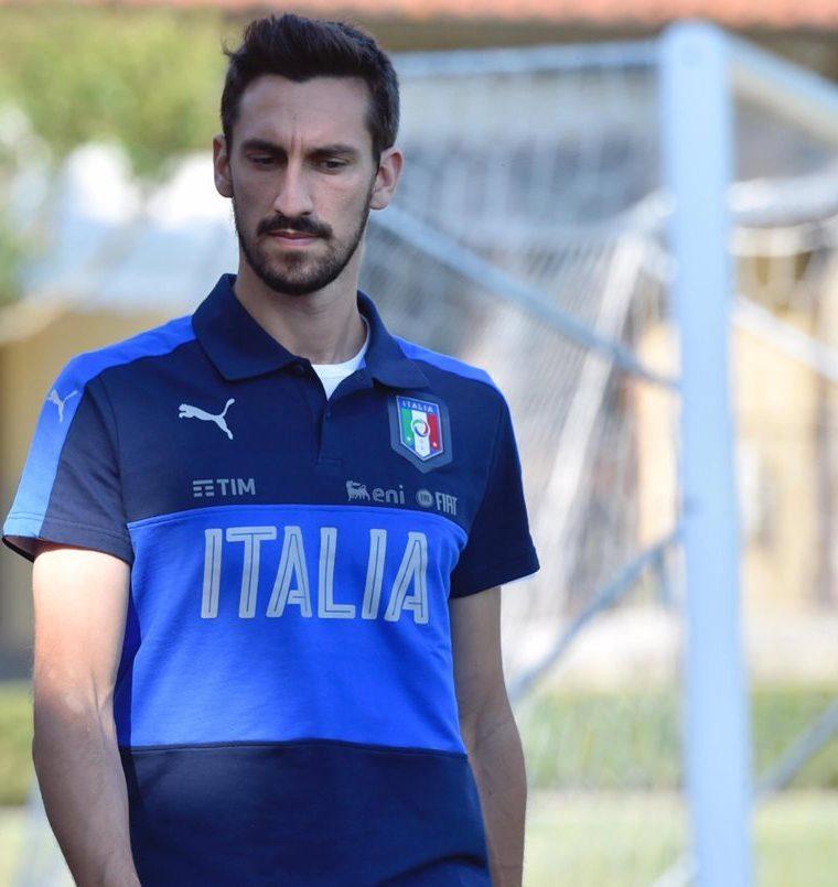 Davide Astori durante una concentración con la selección italiana en julio de 2017.  (Foto Prensa Libre: EFE)