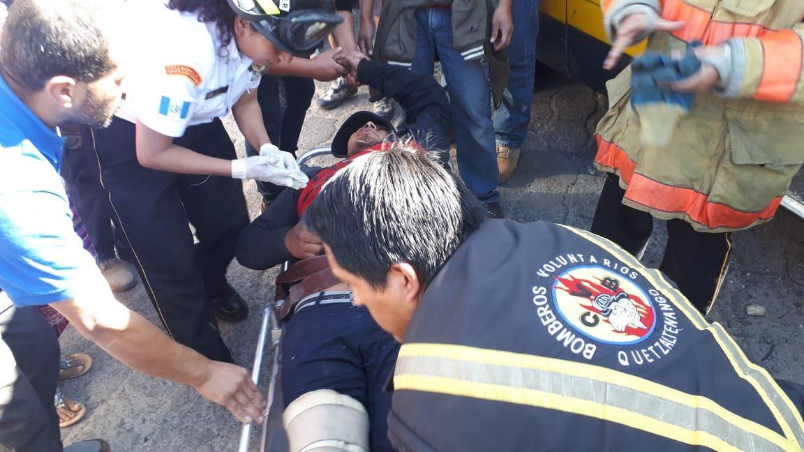 Al menos seis personas fueron trasladadas, otras fueron atendidas en el lugar por parte de los socorristas que brindaron la atención prehospitalaria. (Foto Prensa Libre: Cortesía)